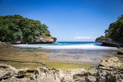 Batu Bengkung plaża Malang, Indonezja obraz stock