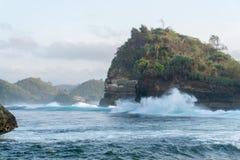 Batu Bengkung strand Malang Indonesien Arkivbilder