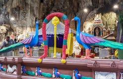 Batu höhlt mit der religiösen Statue in Malaysia aus stockfotografie