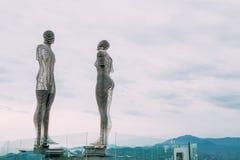 Batumi, Adjara, Geórgia Escultura movente do metal criada por Geórgia Foto de Stock