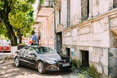 Batumi Adjara, Georgia Parkerad svart Volkswagen Passat CC bil A Royaltyfri Foto