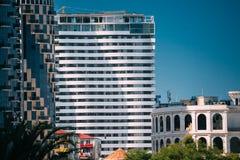 Batumi, Adjara, la Géorgie Nouvelle Chambre résidentielle à plusiers étages Images stock