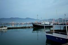 BATUMI, GEÓRGIA 25 DE MAIO DE 2015 Navios no porto Batumi, Imagem de Stock Royalty Free