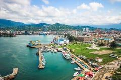 BATUMI GEORGIA-JULY 6 2015 Batumi havsport med fartyg och passagerarterminalen georgia arkivfoto