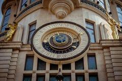 BATUMI, GRUZJA Wrzesień 21 2017: Astronomiczny zegar na jego Obrazy Stock