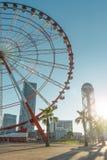 Batumi, la Géorgie, peut 12, 2017 : Ferris Wheel sur la fin de support de Batumi photos libres de droits