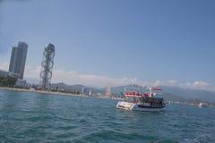 Batumi, vista do mar à terraplenagem da cidade Dia ensolarado imagens de stock royalty free