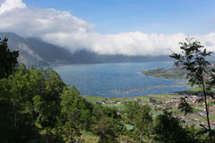 Batur湖和Kintamani村庄,海岛巴厘岛看法  免版税库存图片
