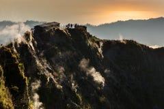 Batur ahumado del soporte del volcán