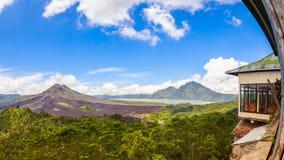 Batur vulkan i Kintamani Bangli område Bali, Indonesien Royaltyfri Bild