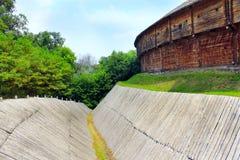 Baturyn-Zitadelle mit schützendem Abzugsgraben Alte slawische Architektur der Festung Lizenzfreies Stockbild