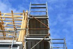Bau auf Handelsgebäude des mittleren Büros Stockfotografie