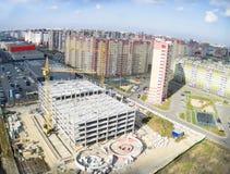 Bau des Einkaufszentrums in Tyumen Stockfotografie