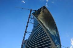 Bau des Geschäftsturms Lizenzfreies Stockbild