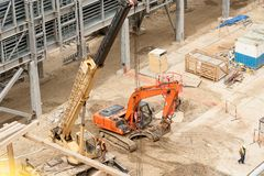 Bau des petrochemischen Werks Tobolsk stockfotos
