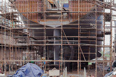 Bau des Schiffs im Trockendock Stockfotografie