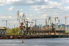 Bau des Stadions zum Weltcup in Nischni Nowgorod Lizenzfreie Stockbilder