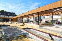 Bau eines Gemeindegebäudes im Dorf in Deutschland stockfotos