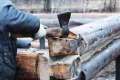 Bau Eines Holzhauses Auf Einer Pfahlgründung Stockfoto