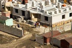 Bau eines mehrstöckigen Gebäudes in Ulyanovsk lizenzfreie stockfotografie
