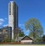 Bau eines neuen Wolkenkratzers im Kopf Lizenzfreie Stockfotos