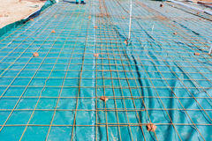 Bau-konkreter strömender Draht Stockfotos