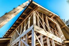 Bau und Reparatur eines privaten Rahmenhauses des Landes, lizenzfreie stockfotografie