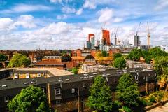 Bau von neuen Wolkenkratzern in Süd-Lambeth im zentralen Teil von London, Großbritannien stockbild