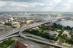 Bau von Schrägseilbrücke, 19.07.2007, Russland, Petersb Lizenzfreie Stockfotos