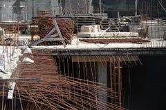 Bau von Untertageböden eines mehrstöckigen Gebäudes in der Stadt Stockbilder