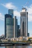 Bau von Wolkenkratzern in Melbourne Lizenzfreies Stockbild