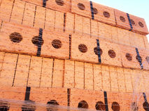 Bau-Ziegelsteine auf einer Palette Lizenzfreies Stockfoto