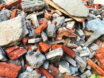 Bauabfall des Hauses im Bau lizenzfreies stockbild