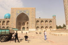 Bauarbeit in Registan Stockfoto