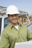 Bauarbeiter With Blueprints stockfotografie