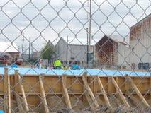 Bauarbeiter hart bei der Arbeit lizenzfreie stockfotos
