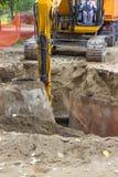 Bauarbeiter im Bagger Lizenzfreies Stockbild