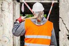 Bauarbeiter mit Schlittenhammer Lizenzfreie Stockfotografie
