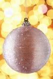 Baubel Sparkly della decorazione dell'albero di Natale Fotografia Stock