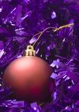 bauble świecidełko purpurowy czerwony Zdjęcia Royalty Free