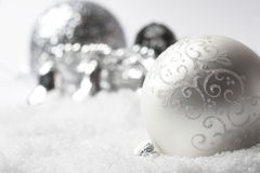 Bauble de prata do Natal Fotografia de Stock Royalty Free