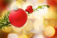 Bauble e coração vermelhos do Natal Fotografia de Stock