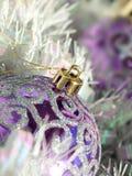 bauble purpur świecidełko zdjęcie stock