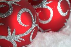 Bauble vermelho do Natal fotografia de stock