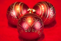 Baubles и свечка рождества Стоковые Фотографии RF