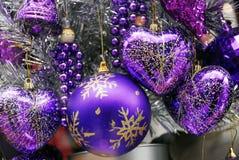 Baubles azuis e de prata da decoração do Natal Imagem de Stock