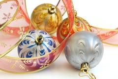 baubles bożych narodzeń kolorowy odosobniony faborek Obrazy Royalty Free