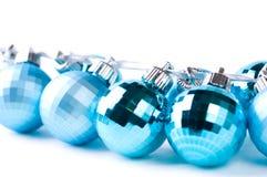 Baubles do Natal com fita de prata Foto de Stock