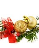 Baubles e fitas dourados do Natal Foto de Stock Royalty Free
