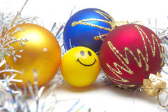 Baubles e sorriso do Natal Fotografia de Stock Royalty Free